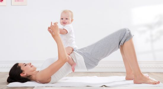 Yoga postnatal (maman et bébé)