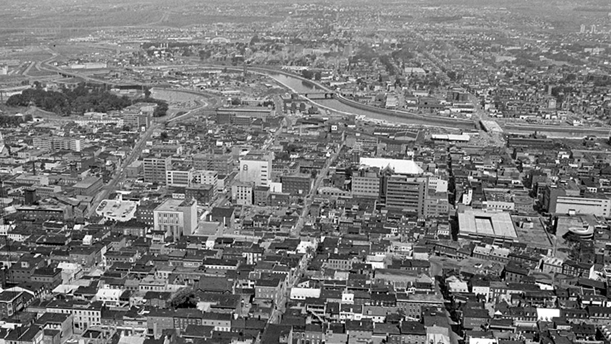 Saint-Roch dans les années 1970 (8) : vue du haut du Complexe G   2 juillet 2017   Article par Jean Cazes