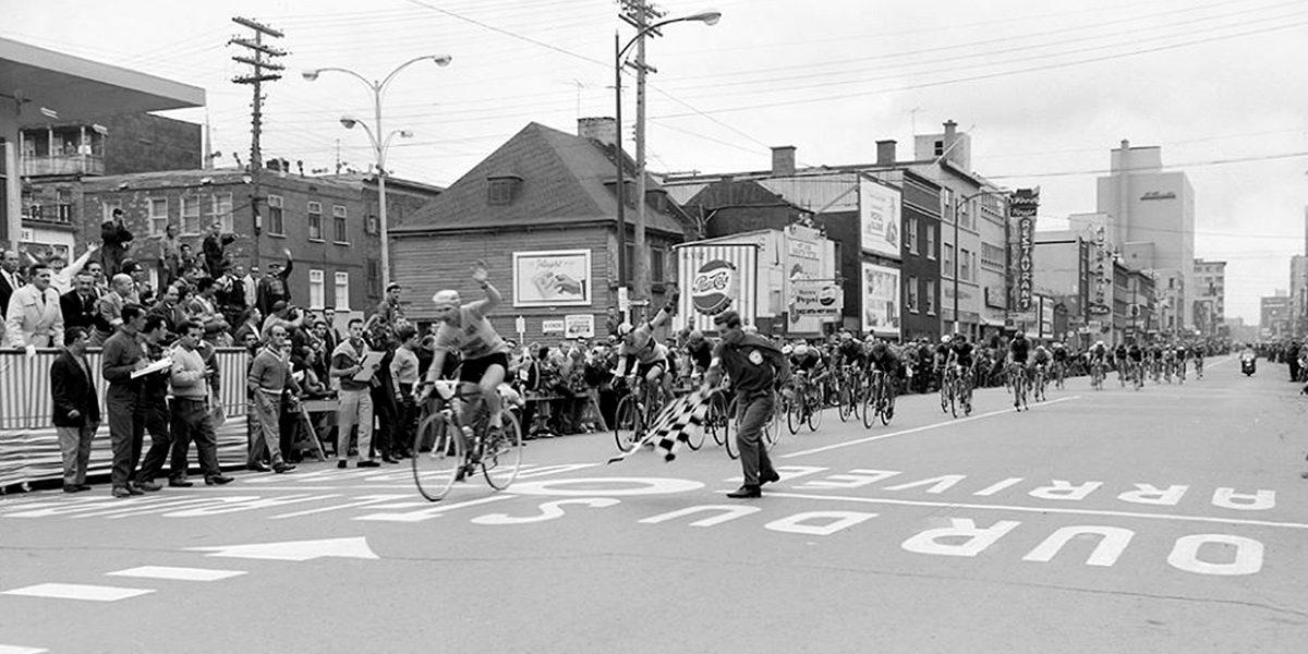 Saint-Roch dans les années 1960 (12) : compétition de vélos sur Charest | 23 juillet 2017 | Article par Jean Cazes