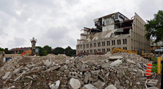 Chantier : démolition sur la rue de la Pointe-aux-Lièvres (2) - Jean Cazes