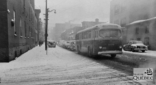 Saint-Roch dans les années 1950 (14) : autobus sur la rue de la Couronne - Jean Cazes