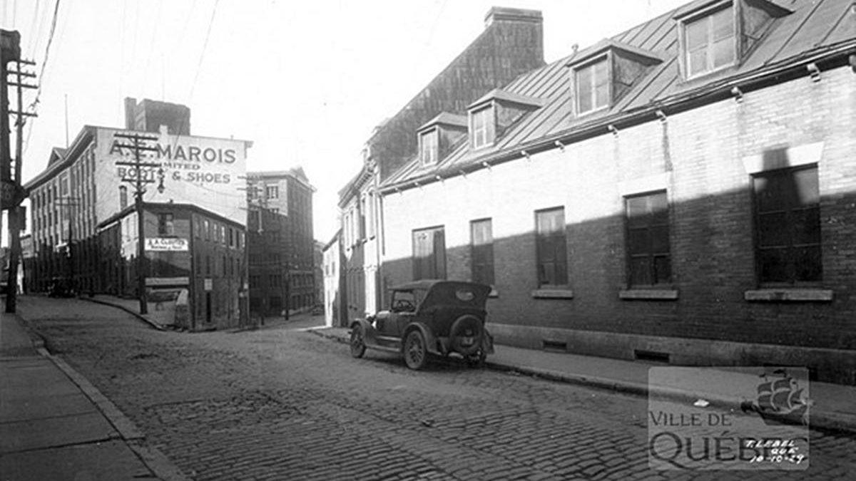 Saint-Roch dans les années 1920 (1) : rue Saint-Vallier Est et chaussures A. E. Marois   15 juillet 2018   Article par Jean Cazes
