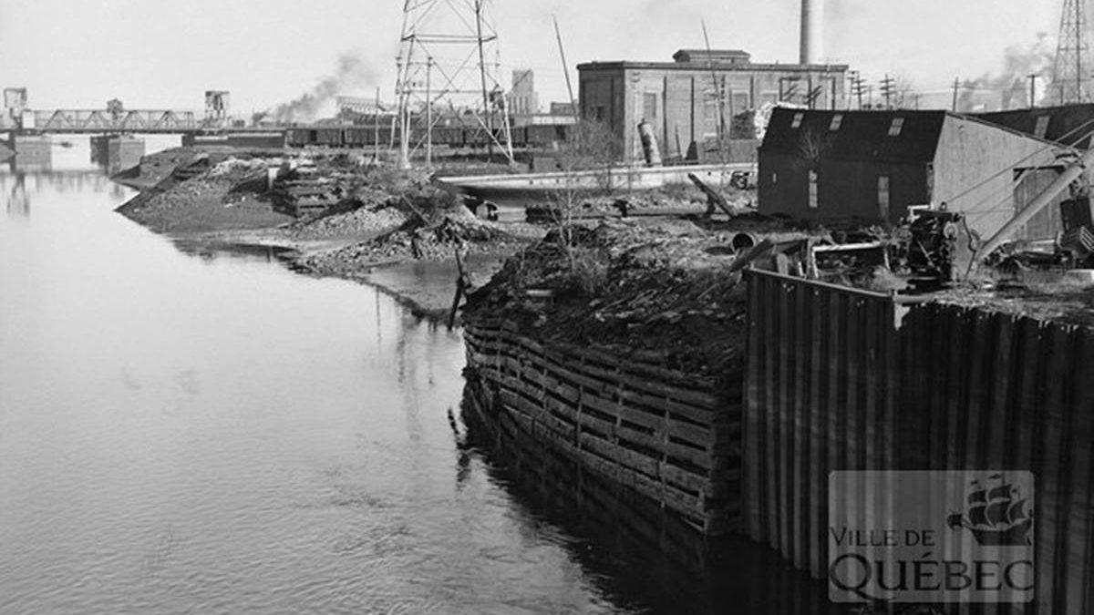 Saint-Roch dans les années 1940 (12) : la rivière Saint-Charles et sa berge | 23 septembre 2018 | Article par Jean Cazes
