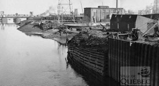 Saint-Roch dans les années 1940 (12) : la rivière Saint-Charles et sa berge - Jean Cazes