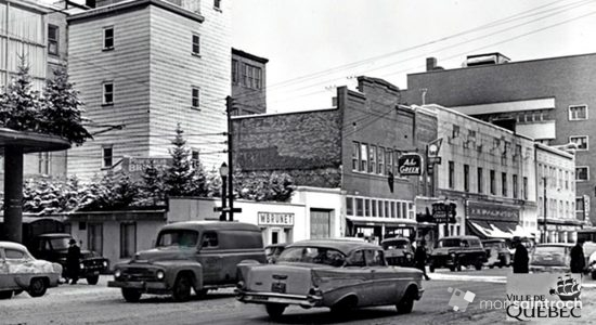 Intersection Charest Est et de la Chapelle. 12 février 1957.