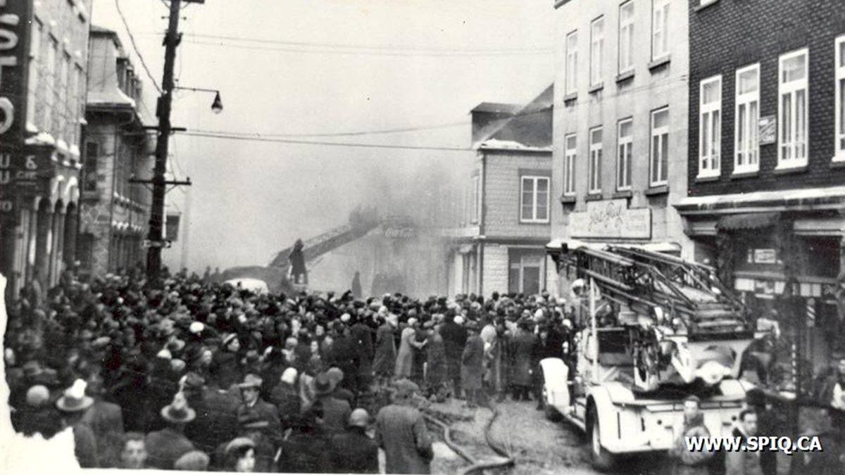 Saint-Roch dans les années 1950 (22) : conflagration sur la rue du Pont | 16 février 2020 | Article par Jean Cazes