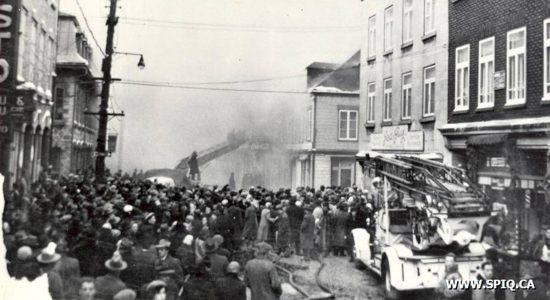 Saint-Roch dans les années 1950 (22) : conflagration sur la rue du Pont - Jean Cazes