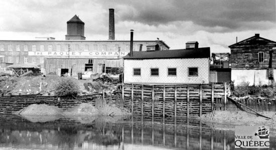 Saint-Roch dans les années 1940 (16) : la rivière Saint-Charles et l'usine Paquet - Jean Cazes