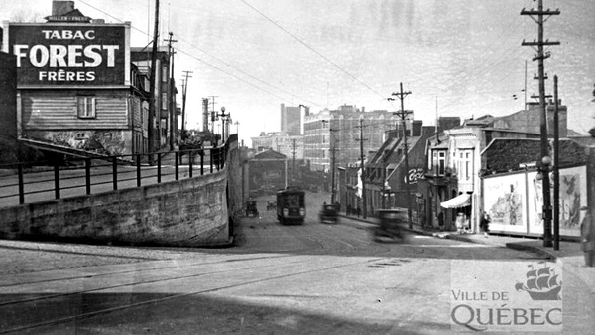 Saint-Roch dans les années 1930 (2) : la côte d'Abraham et une publicité de tabac | 9 août 2020 | Article par Jean Cazes