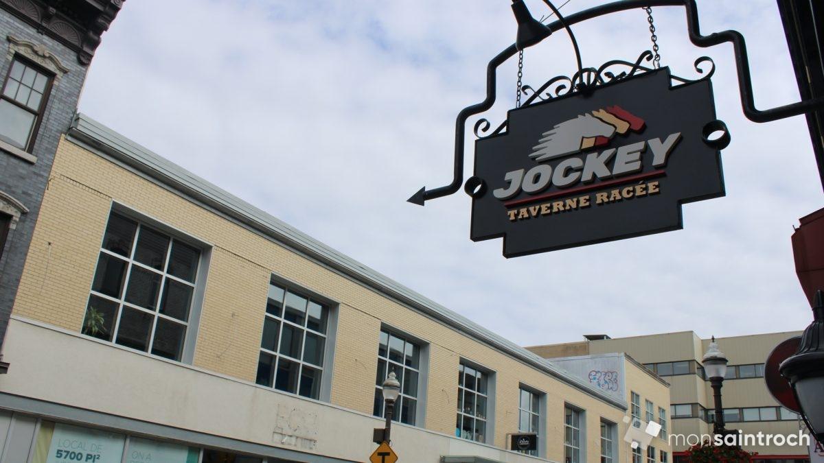 Jockey taverne racée se met en piste dans l'ancien Pub Edward | 25 août 2020 | Article par Véronique Demers