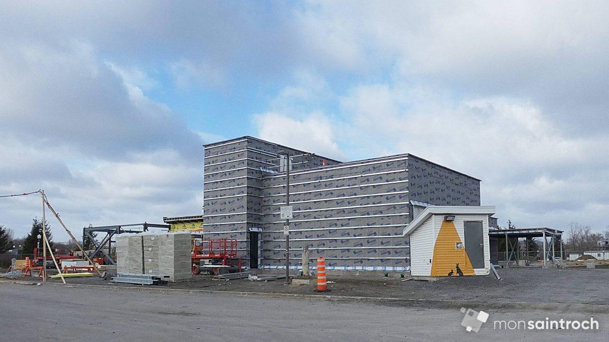 PHOTO 6 - Le Pavillon d'accueil en construction. 18 novembre 2020.