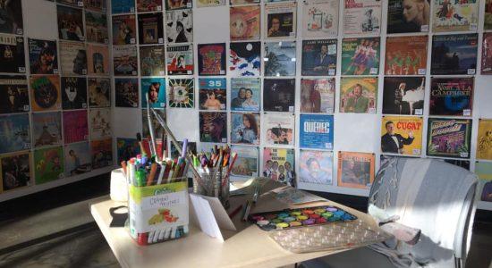 Des pochettes et des cartes postales pour rester créatif à distance avec Sherpa - Tanya Beaumont