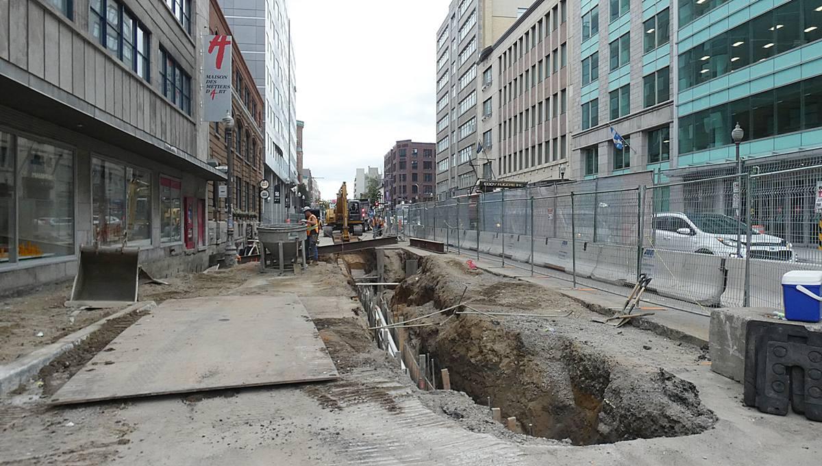 Boulevard Charest Est, vue des travaux en vue du tramway, 3 septembre 2021